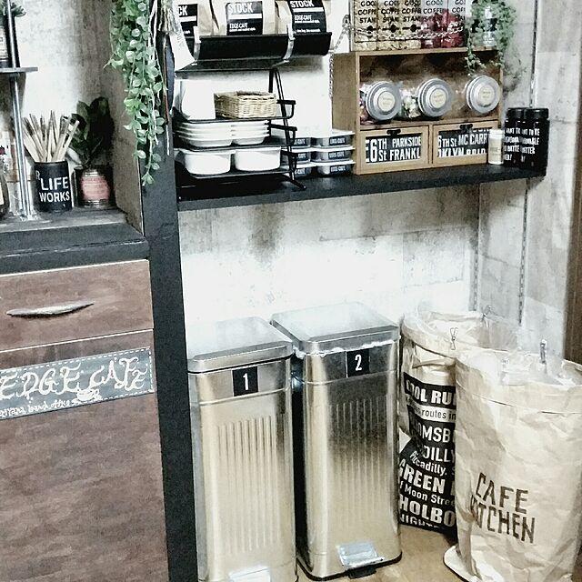 Kitchen,ゴミ箱,DIY,ステンシル,自己満足,男前も可愛いも好き,フォローすごく嬉しいです♡,RC山口♡,マンション暮らし,EDGE-CAFE,ニュートラル系,楽天ギフトカードで♪のインテリア実例 | RoomClip (ルームクリップ)
