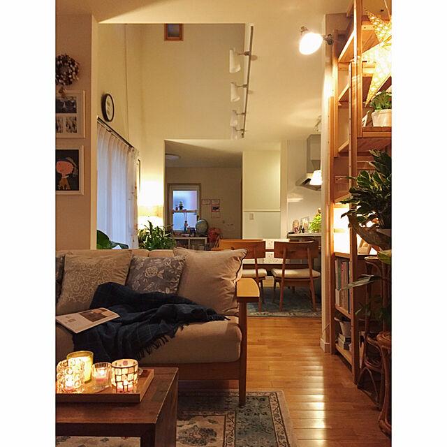 Lounge,観葉植物,ブラウン,間接照明,ランプ,ナチュラルインテリア,キャンドルスタンド,キャンドルライト,アンティーク風,くつろぎ空間,アンティークラグ,cozy,グリーンのある暮らし,無垢の家具のインテリア実例 | RoomClip (ルームクリップ)