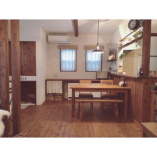 My Desk,シンプル,ペンダントライト,パイン材,チェッカーガラス,シンプルライフ,無垢材,自然素材,両面時計,木の家,小さなお家,old maison,オールドメゾン,木のぬくもり,蓄熱暖房機,柿渋塗装のインテリア実例 | RoomClip (ルームクリップ)