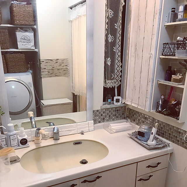 Bathroom/リメイク/セリア/コベントガーデン/ニトリ...などのインテリア実例