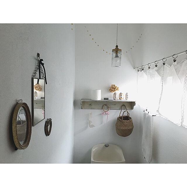 Bathroom,中古住宅,セルフリノベーション,いつもいいねありがとうございます♡,ケーラー オマジオ,ウッドビーズの飾り,ミラー壁掛け,ジャー照明,リネンのハンカチをカーテンにのインテリア実例 | RoomClip (ルームクリップ)