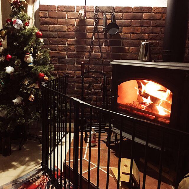 Lounge,100均,暖炉,セリア,薪ストーブ,クリスマスツリー,ウヰスキーのインテリア実例   RoomClip (ルームクリップ)