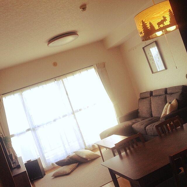 無印良品と人をダメにするソファと二世帯住宅の二階のインテリア実例