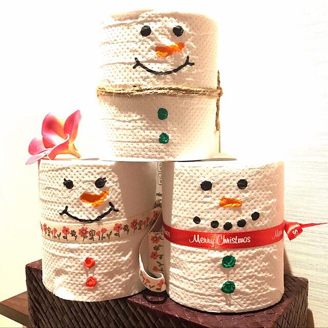 Bathroom,トイレットペーパー,スノーマン,クリスマスディスプレイ,書いただけ,クリスマス,トイレットペーパーリメイク,リボンでマフラーのインテリア実例 | RoomClip (ルームクリップ)