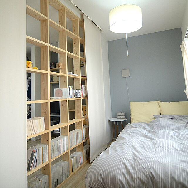 Bedroom,無印良品,漫画,四畳半,アクセントウォール,格子,リノベーション,パネルカーテン,たな棚,たな 収納のインテリア実例 | RoomClip (ルームクリップ)