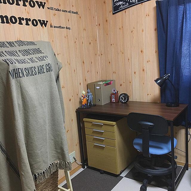 Bedroom,フィギュア,ハンガーラック,ウォールステッカー,パソコンデスク,ニトリの時計,オーサムストア,子供部屋改装中,ニトリのテーブルランプ,学習机リメイク,いいねありがとう(*´꒳`*)のインテリア実例   RoomClip (ルームクリップ)