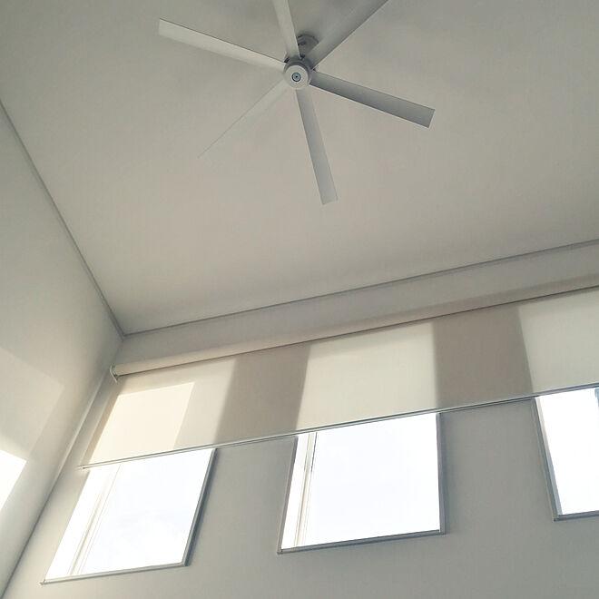 壁/天井/タチカワブラインド/遮熱ロールスクリーン/ベージュ×ホワイトのインテリア実例 - 2020-01-28 15:37:57