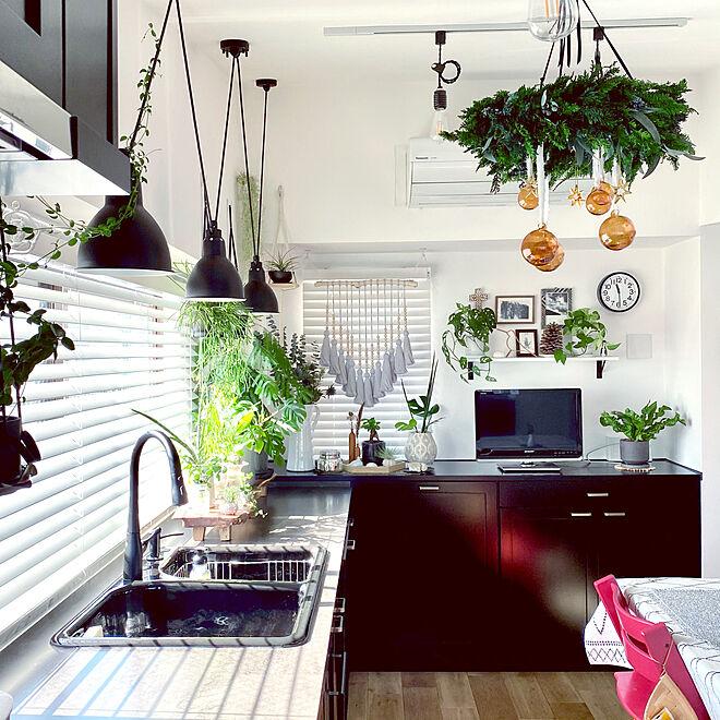 「穏やかな透明感が心地よい、黒と白で魅せるキッチン」 by kino102321さん