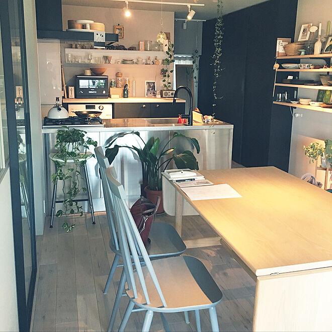 「シンプルなカッコよさと、もてなす心の温かさで紡ぐオープンなキッチン」 by greenforestさん