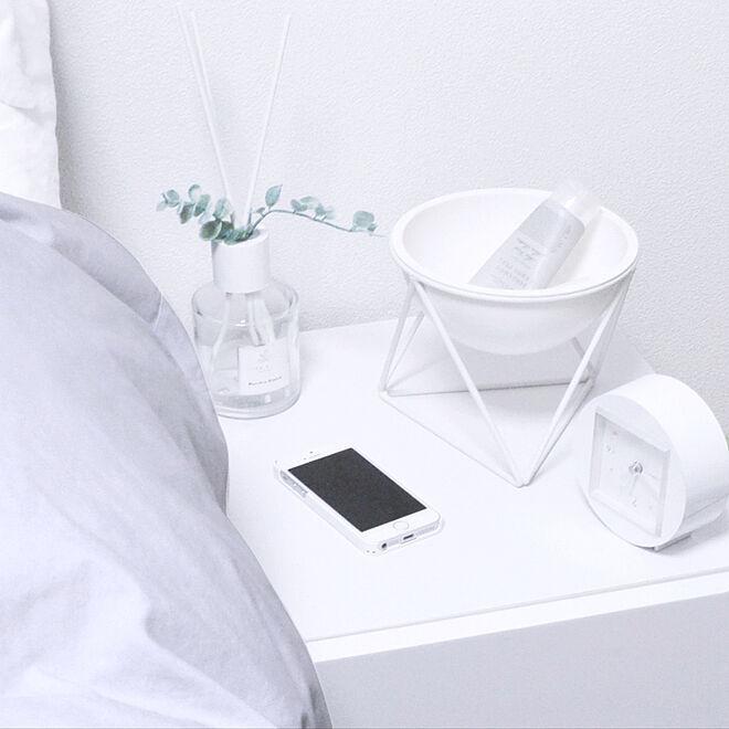 ベッド周り/ベッドサイド/ホワイト家具/ディスプレイ/フラワーベース...などのインテリア実例 - 2019-03-30 22:52:29
