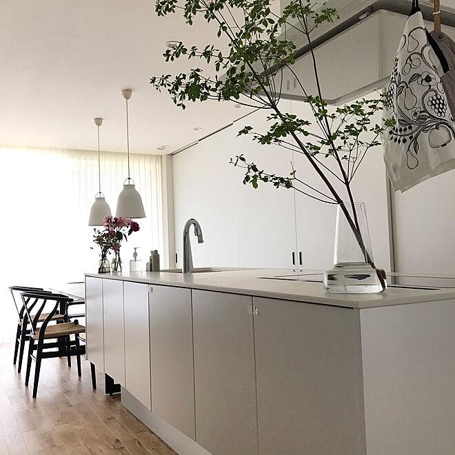 「勝手良く、生活感ゼロへと導いたフルフラットなオープンキッチン」 by mitsu20170805さん