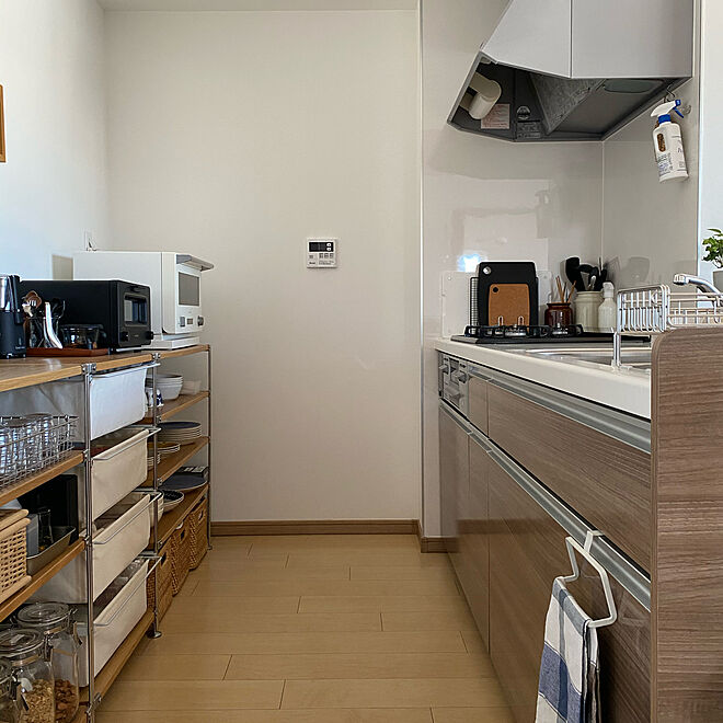 「気持ちも動作も軽くなる快適カスタマイズで整えた、ナチュラルなキッチン」 by mari129さん