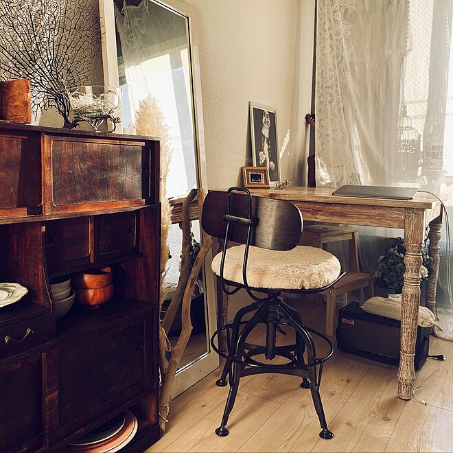 「21m2。ひと目惚れの机から膨らむ、心落ち着くアンティークなお部屋づくり」 by Kaoriさん