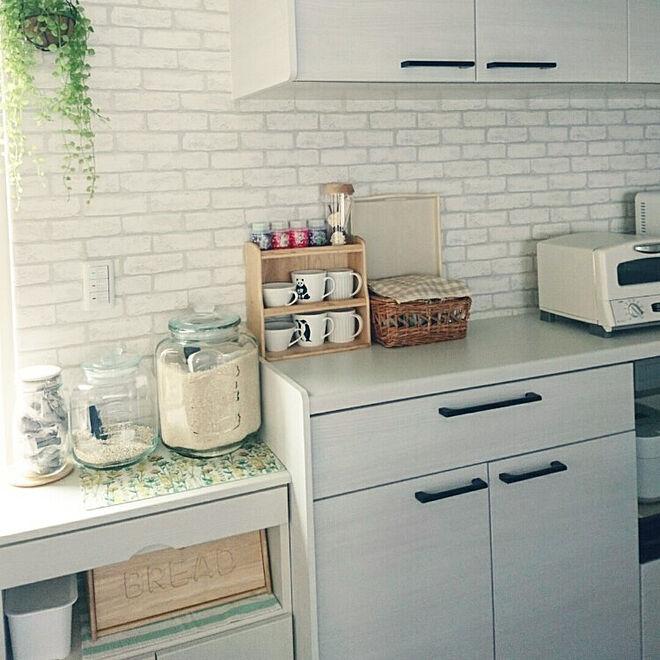 キッチン/お気に入りのカラー/連投失礼します/ホワイト×グリーン/カップボード...などのインテリア実例 - 2021-06-18 15:17:24
