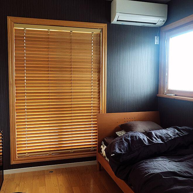 ベッド周り/ベッド/息子の部屋/シックな部屋/窓際...などのインテリア実例 - 2021-03-14 21:41:33