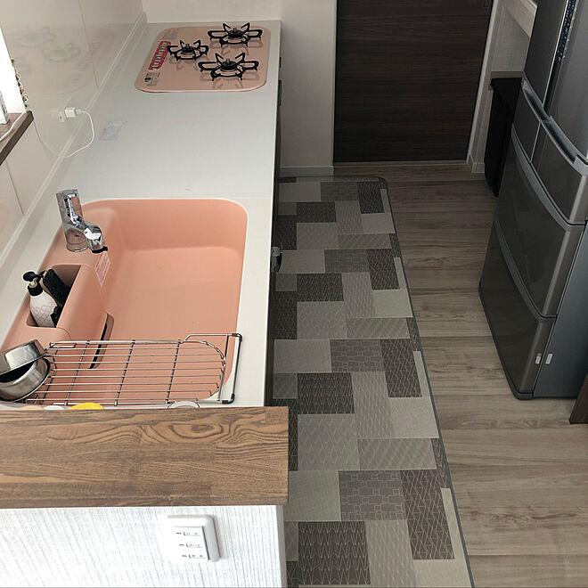 冷蔵庫が主張/LIXIL/キッチンはピンク/キッチン/拭けるキッチンマット...などのインテリア実例 - 2020-01-23 12:14:14