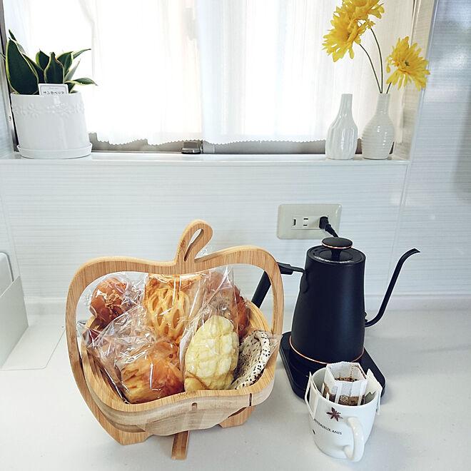 キッチン/ダイソー/ホワイトキッチン/猫との暮らし/ダイソーの植木鉢...などのインテリア実例 - 2021-05-30 12:25:20