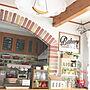 女性家族暮らし、れんが壁/天井やカフェ風やガーランドやキッチンカウンターなどに関するsamanthakitchenさんの実例写真