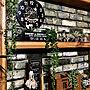 On Walls/DIY/セリア/フェイクグリーン/niko and…/レンガ風/男前/リメイクシート/RCの出会いに感謝♡/ブラックアンドデッカー/日本がんばれ‼/ブライワックス ジャコビアン/可愛いも男前も好き♡/いいね♪いつもありがとうございます❤️/ラブリコ/okayan ちゃん♡/lovepeace ちゃん♡/m0y0 たん♡/mayumi ちゃん♡/faun ちゃん♡/2018.7.2に関連する部屋のインテリア実例