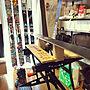 Lounge/無印良品/一人暮らし/ニトリ/メタルラック/作業スペース/作業台/ワークベンチ/ブラックアンドデッカー/ポリプロピレンケース/2×4材/黒塗装/ラブリコ/スキー立てDIYに関連する部屋のインテリア実例
