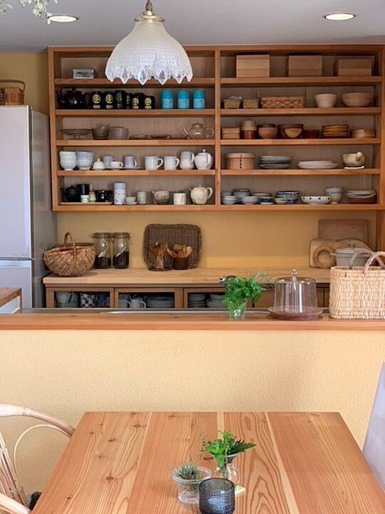 「見せる力と収納力に作業性、どれも頼もしい木の温もりいっぱいのキッチン」 by hirorobinさん