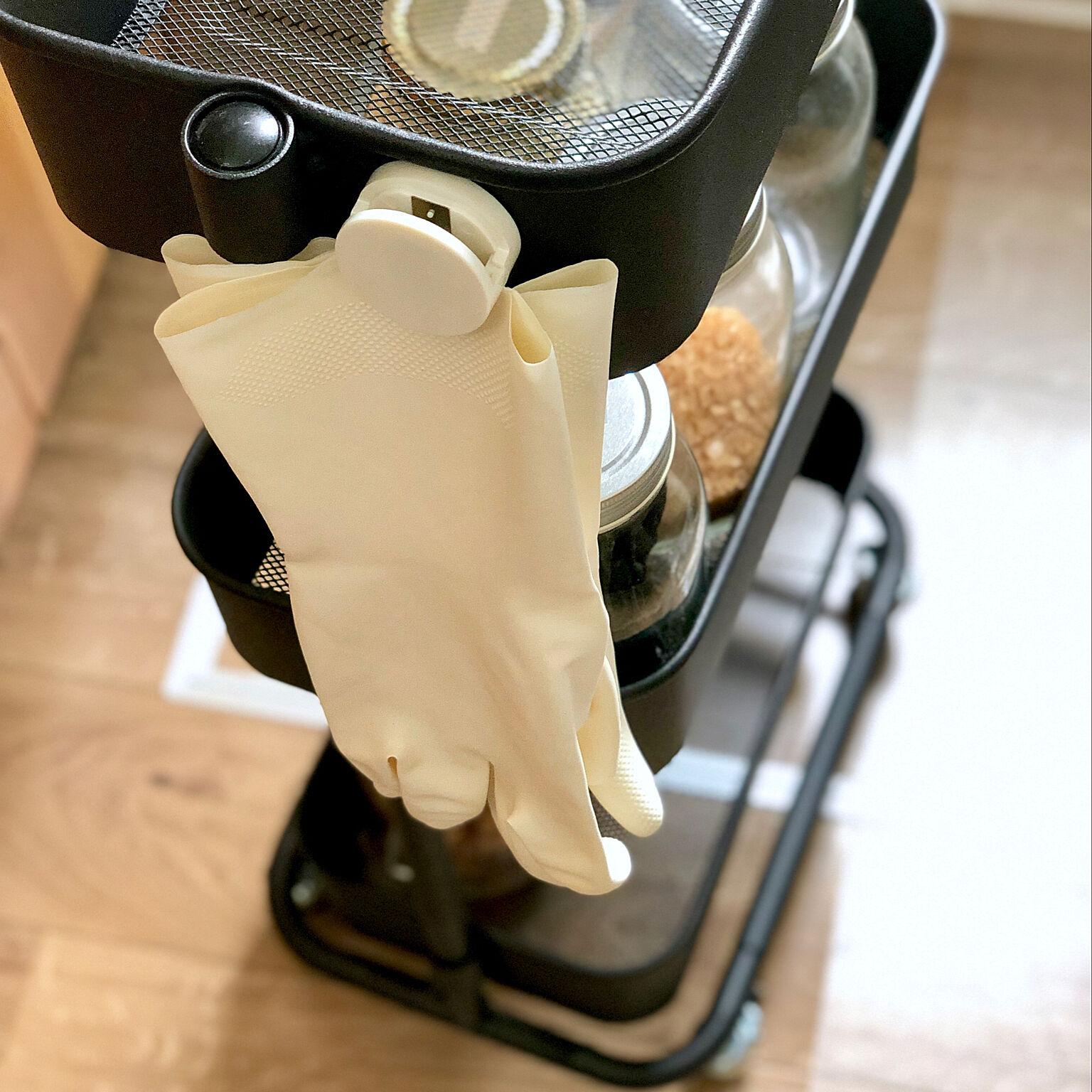 家事の心強い味方!気になるみんなのゴム手袋収納方法10選