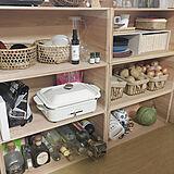 素朴な風合いがたまらなく魅力的♡木箱のキッチン収納