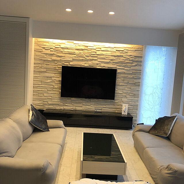 Lounge,ソファー,ローテーブル,テレビ台,テレビ,壁掛け,モノトーン,ホワイトインテリア,間接照明 cocoの部屋