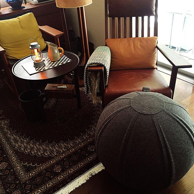 イベント参加,冷たいビール,バルミューダのライト,バランスボールに足を置く,ロッキングチェア,団らんスペース,Lounge happy-sachiの部屋