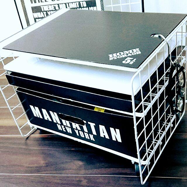 My Shelf,セリア,モノトーンに憧れて,ワイヤーラティス,100均リメイク,DIY 初心者,白黒,ノートパソコンの収納,100均,ワイヤーネット棚DIY,ワイヤーネット SMGRの部屋