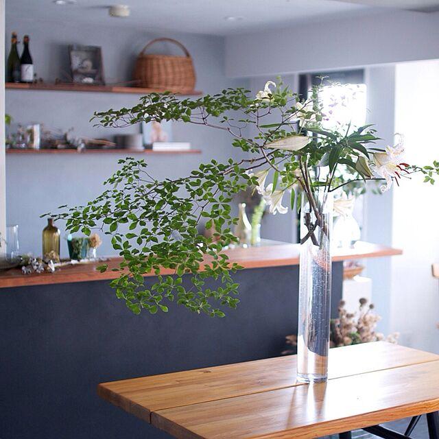 Lounge,山百合,ドウダンツツジ,塩系インテリア,花のある暮らし,イルマリタピオヴァーラ,ガラスの花器,青山フラワーマーケット hamakajiの部屋