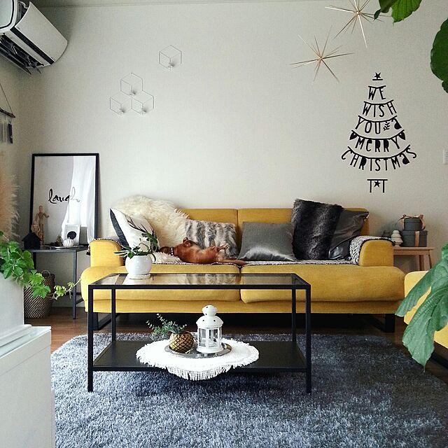Lounge,楽天で買ったもの,こどもと暮らす,犬と暮らす,グリーンのある暮らし,ポスター,モノトーン,ムートン,しまむらのラグ,ニトリのクッションカバー,シンプル,グレー好き,IKEA,レターバナー,クリスマスディスプレイ,Saooo39さんのまねっこツリー,黄色いソファ Mayu..の部屋