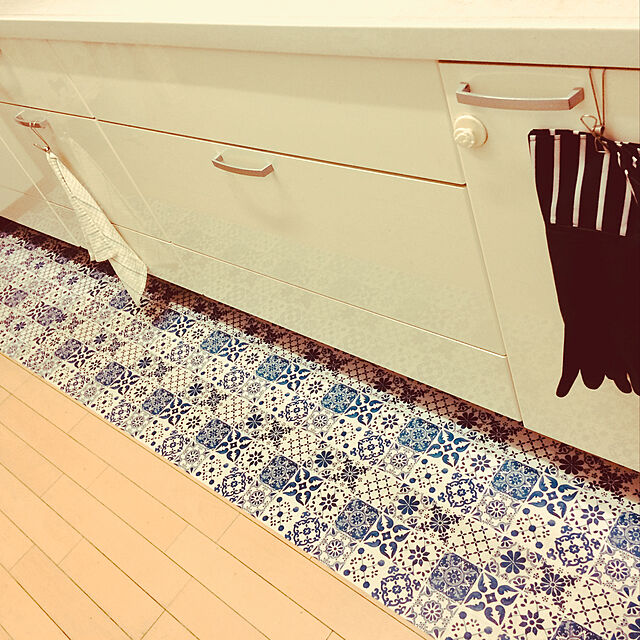 Kitchen,キャンドゥのゴム手袋,キッチンマットはカインズ,IKEA marinの部屋