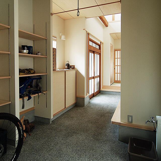 Entrance,竣工写真,洗い出し土間,土間玄関,土間のある暮らし,壁面収納棚,リノベーション,和モダン,初投稿 Yoshinarhythmの部屋