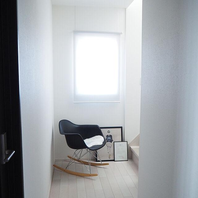 On Walls,廊下スペース,ロッキングチェア,丁寧な暮らし,白グレー,白黒グレー,Instagramやってます,Instagram→43yuka43,建売住宅,建売住宅でも快適生活,整理整頓 43yuka43の部屋
