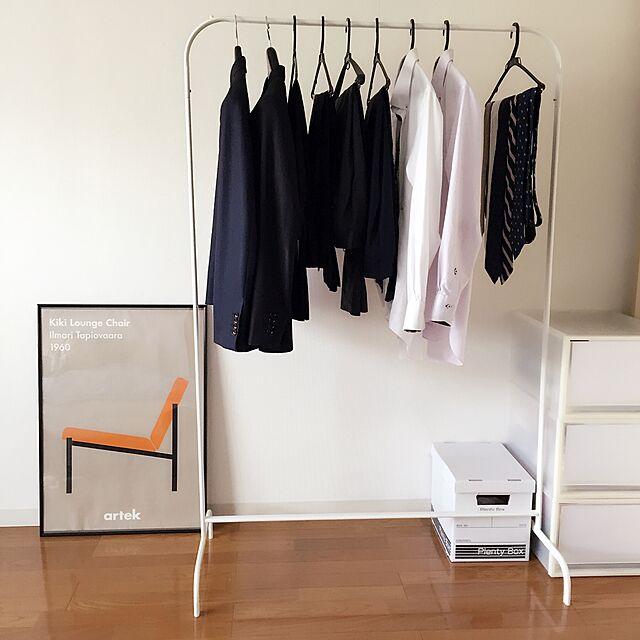 Bedroom,モノトーン,ポスター,アルテック,プレンティボックス,セリア,収納,無印良品,MULIG,収納アイデア,賃貸,シンプルライフ,IKEA,持たない暮らし,北欧インテリア,ブログやってます♪,北欧,ミニマリストに憧れて,ミニマリスト,シンプル,衣類収納,シンプリスト,ハンガーラック yuusの部屋