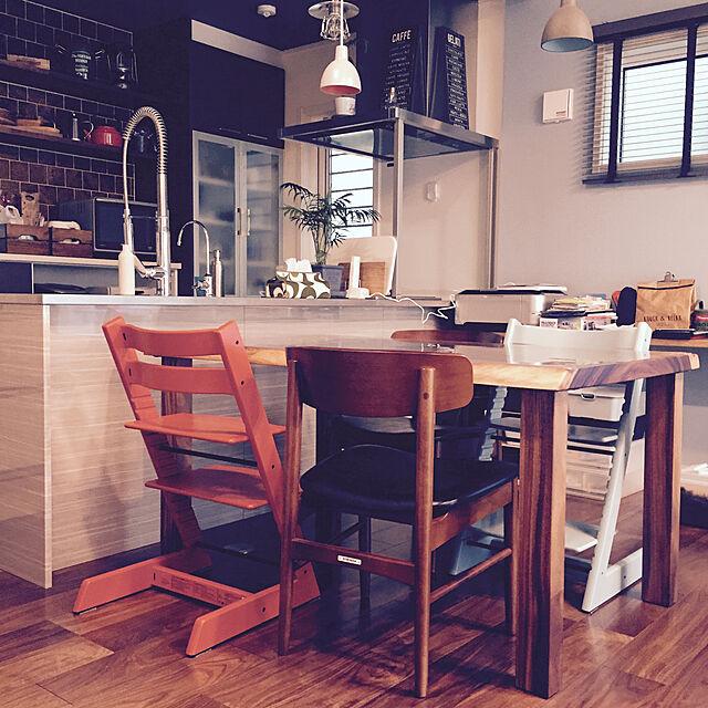 Lounge,ストッケ,モンキーポッド一枚板,ダイニングチェア,カリモク60,カフェ風 tomoyuzupiの部屋