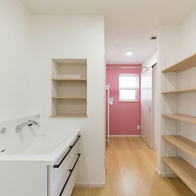 平屋,新築,収納,ニッチ,ナチュラル,アクセントクロス,造作棚,洗濯機,My Shelf sakuの部屋