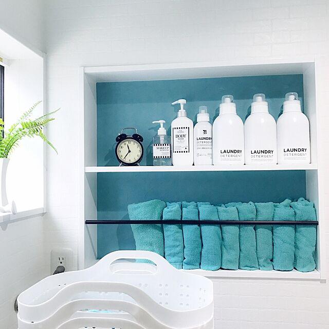 Bathroom,ニッチ,脱衣所収納棚,ランドリールーム,狭いスペースを生かしたい,雑貨,白のチカラ,いつもいいね♡コメありがとうございます♡,北欧,白黒インテリア,白が好き♡,白い壁,海外インテリアに憧れて♡,IKEA,シンプル,おしゃれで可愛く,統一感目指して!,モノトーン,清潔感重視,ホワイトインテリア,壁紙屋本舗 Michiyoの部屋