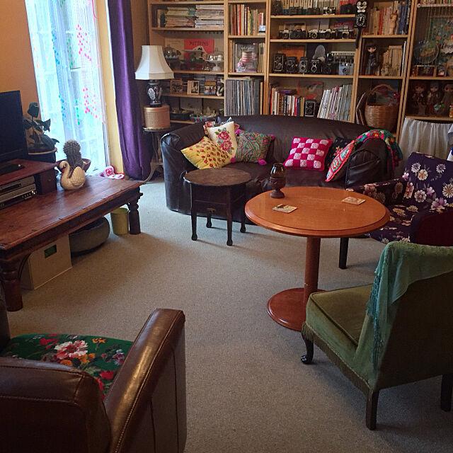 Lounge,着物リメイク,リメイクチェア,合皮,レトロ,リメイクソファ,イギリス,海外生活,手芸,チャリティーショップFIND,古いもの,本棚 nekohigeの部屋