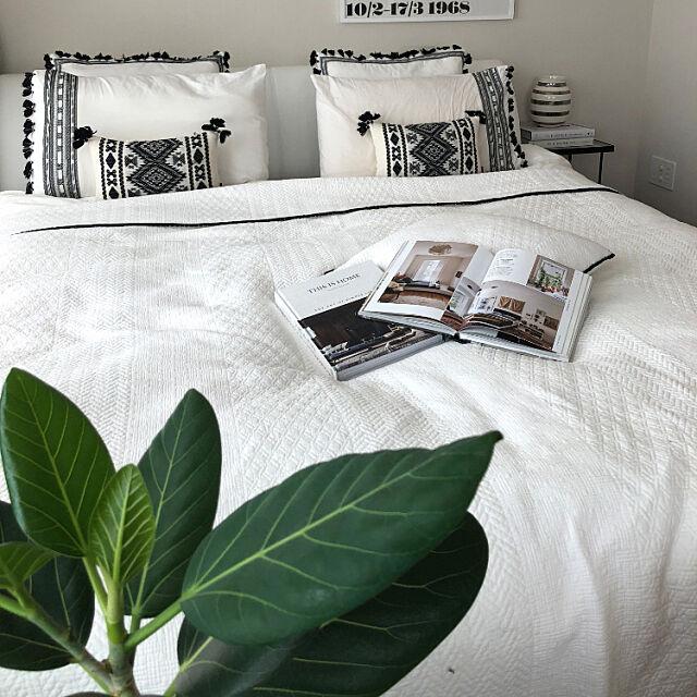 Bedroom,北欧,シンプル,モノトーン,観葉植物,ベッドメイキング,家を空ける前に!,ボヘミアン,BOHO,ミックスインテリア MKの部屋