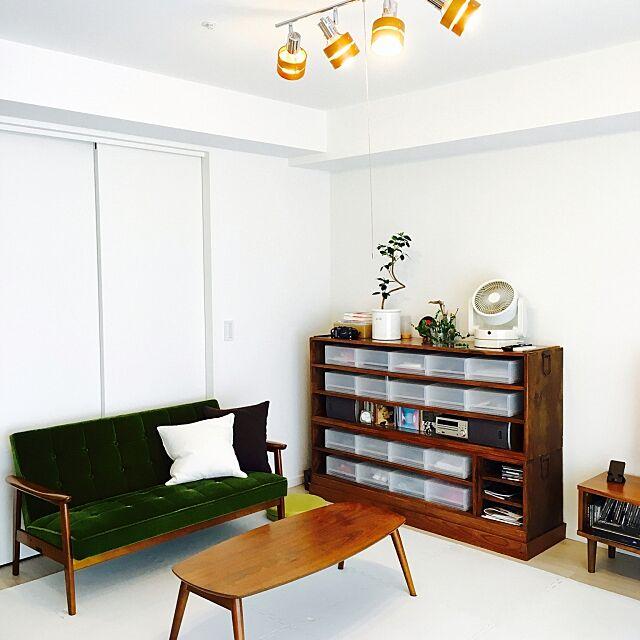 Lounge,無印良品 収納,桐箪笥リメイク,ゴムの木,カリモク60 Kチェア,DIY,カリモク60,ジョイントマット 白,ジョイントマット,こどもと暮らす,サーキュレーター,カリモク,せまいおうち,プチDIY,桐箪笥,タンスのゲン,年代物,アンティーク,ミックスインテリア haraの部屋