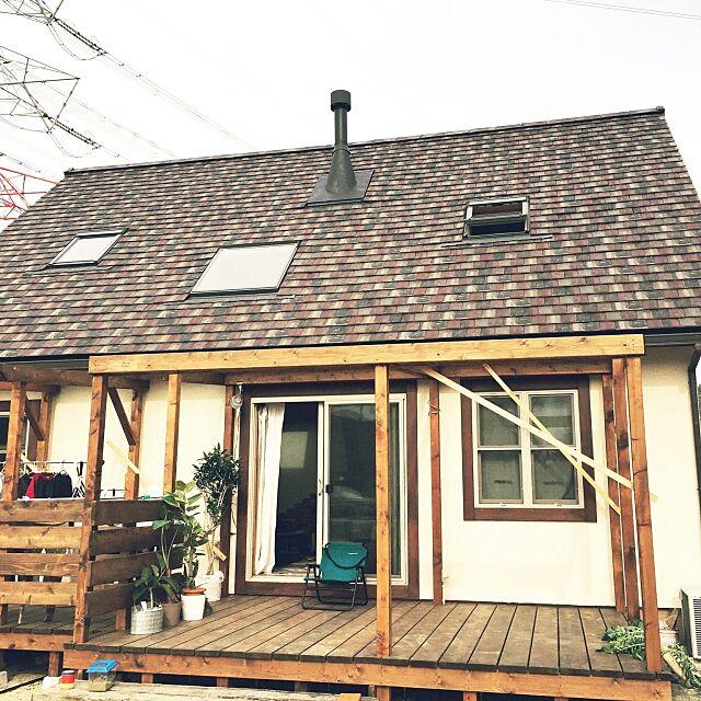 Overview,煙突,天窓,スペイン瓦,DIY,ウッドデッキ,木の家,平屋風2階建,漆喰 okachinの部屋