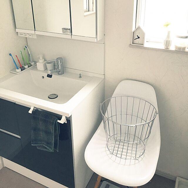 Bathroom,パナソニック 洗面台,シンプル,シンプルインテリア,5人家族♡,無印良品,イームズチェアリプロダクト,シンプルな暮らし,フォローお気軽にして下さい,建売住宅,ホワイトインテリア,いいね&フォローありがとうございます☆,YKK AP SSKの部屋