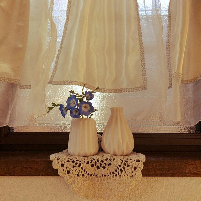 壁紙DIY,カフェカーテン手作り,ネモフィラ,窓辺,リノベーション,築100年(笑),wats,古いおうち,花瓶,My Shelf kyoko1124koの部屋