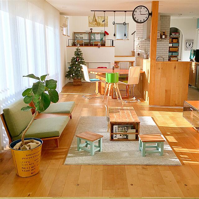 Overview,アイランドキッチン,スキップフロアの家,踏み台 DIY,学習机 DIY,ダイニングテーブル,actus,クリスマスツリー,リビングダイニング,ダルトン,造作カウンター,無垢の床,バーチ,無印良品,DIY,ローテーブル,サブウェイタイル,リビングテーブル DIY,シンプル&ナチュラル,吹き抜け,ソファー,たくさんのいいね!ありがとうございます♡,たくさん保存ありがとうございます♡ Rinの部屋