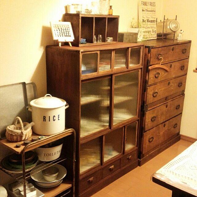 Kitchen,和箪笥,和家具,ホーローボウル,ホーロー缶,古い瓶 midoringoの部屋