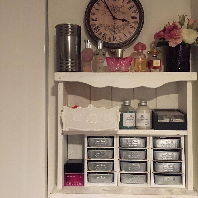 My Shelf,アンティーク,雑貨,シャビーシック,セリア,木製仕切りケース izumiの部屋