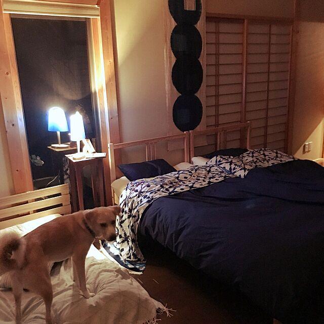 Bedroom,IKEAベッド,犬と暮らす家,築10年,ハスキーとラブラドールのミックス君,寝室は和風,デシグアル mm319の部屋