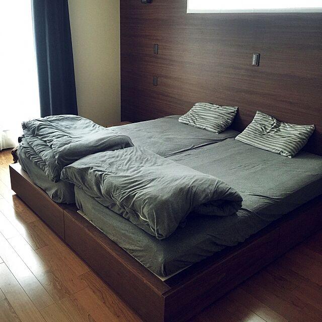 Bedroom,オーダーカーテン,ウォールナット,アクセントクロス,収納ベッド,無印良品,ブラックチェリー,ライブナチュラル,無印良品 シーツ,無印良品ベッド puchisyuhuの部屋